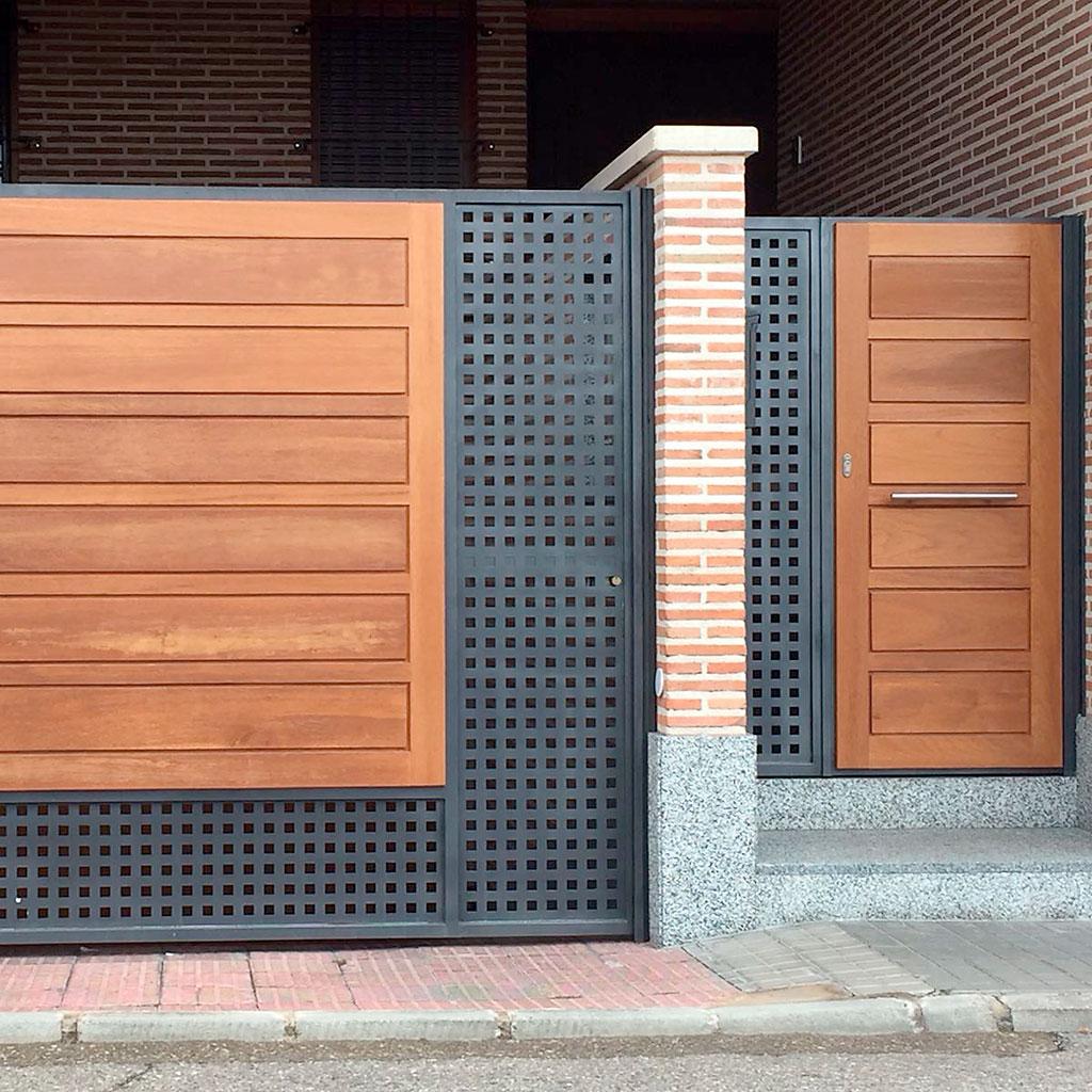 Puertas garaje residenciales industriales metalicas for Puertas de metal con diseno